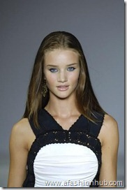 Rosie Huntington-Whiteley Runway fashion Show (33)