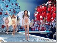 Rosie Huntington-Whiteley Fashion Show 2007 (8)