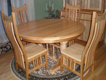 """60"""" Diameter Riverside Table and Western Chairs in Mixed Wood"""