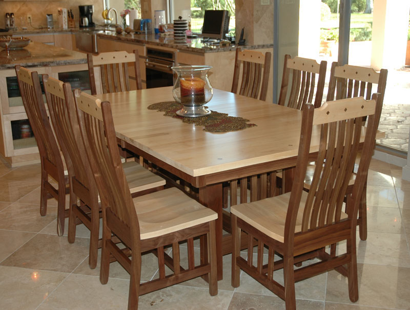 "80"" x 48"" Mission Table and Chairs in Mixed Wood"