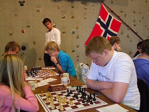 Jo Kristian har flydd inn fra Wien, hvor han har blitt mester tidligere i år.