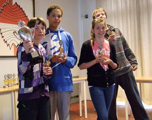 Eskil Ekeland Grønn, Shaun Ondo, Margrete Buran og Ludvig Anderson på Bjølsens lag som vant NM for skolelag 2011. Foto: Hans-Ottar Riiser
