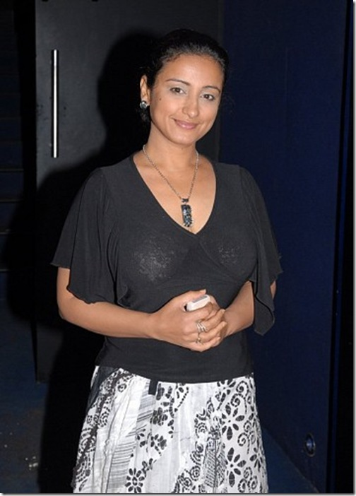 Tv-Actress-Divya-Dutta-0039d43