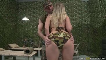 Порно солдаты
