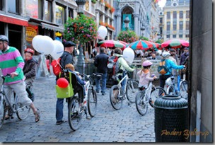 Family w bikes
