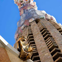 jupiterstudentskinzena.gordondocsLorca and his worldGaudi 12.jpg