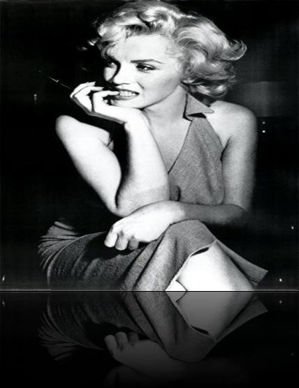 Marilyn-Monroe---Dress-Poster-C10207015[1]
