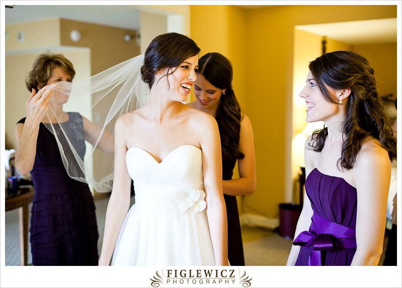 FiglewiczPhotography-AnneandPete-CrownPlaza-0010.jpg