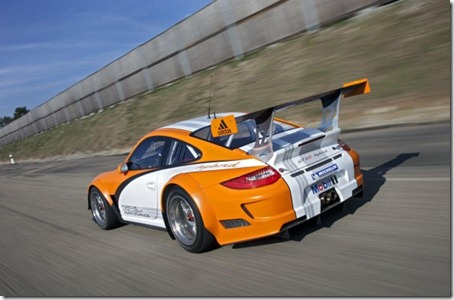 2011-Porsche-911-GT3-R-Hybrid-Rear