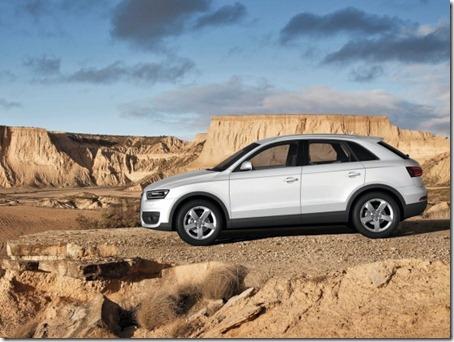 2012-Audi-Q3-Side-View