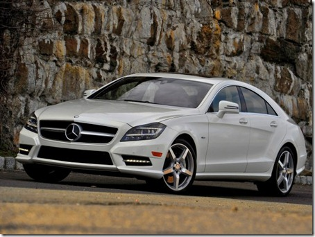 2012-Mercedes-Benz-CLS550-Front-Side-View