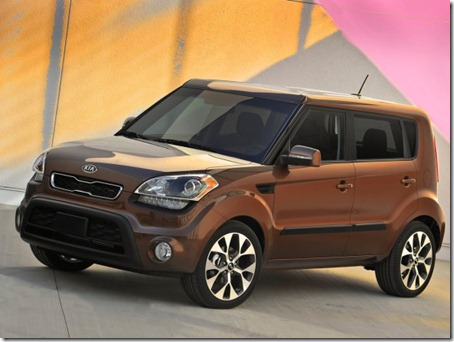 2012-Kia-Soul-Front-Side-View
