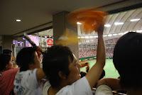 Tokyo, Spiel der Giants im Tokyo Dome, Jubel der Giants-Fans – 07-Aug-2009