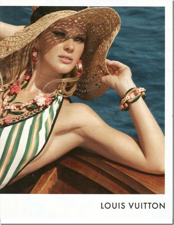 Louis_Vuitton_Resort_2011_02