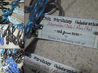 View doorgifts blue black for birthday