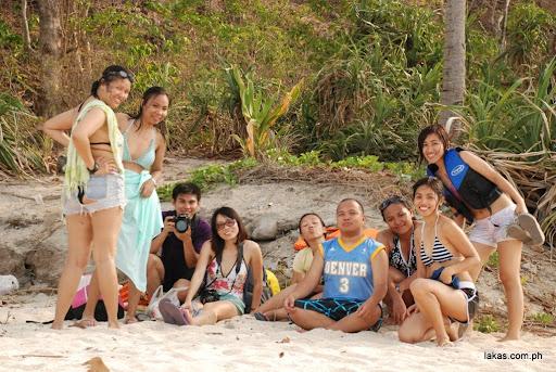 group pic in camara island