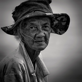 by Charliemagne Unggay - Black & White Portraits & People ( woman, b&w, portrait, person,  )