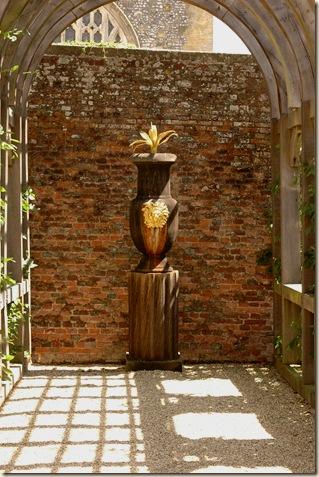 arundel castle garden 006