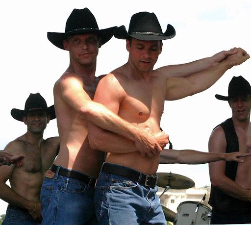 http://lh3.ggpht.com/_fw7iF68JR8k/S86Qt2fFQFI/AAAAAAAA1Uw/YsoyHg2056o/s512/Gay_cowboys.jpg
