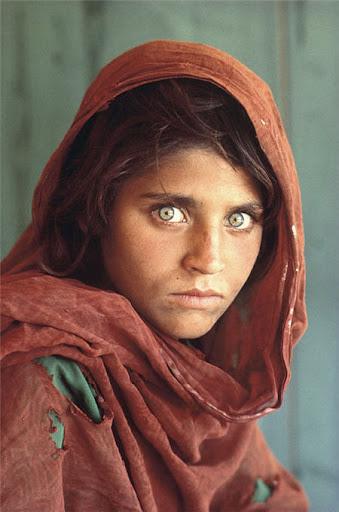 http://lh3.ggpht.com/_fw7iF68JR8k/SDIuB_9V7WI/AAAAAAAARM8/PFHkKjHCjsA/s512/green-eye-afghan-girl-national-geographic.jpg