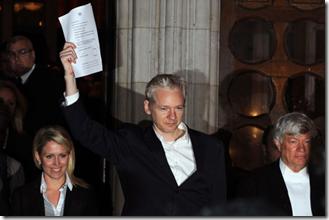 Julian Assange en libertad condicional