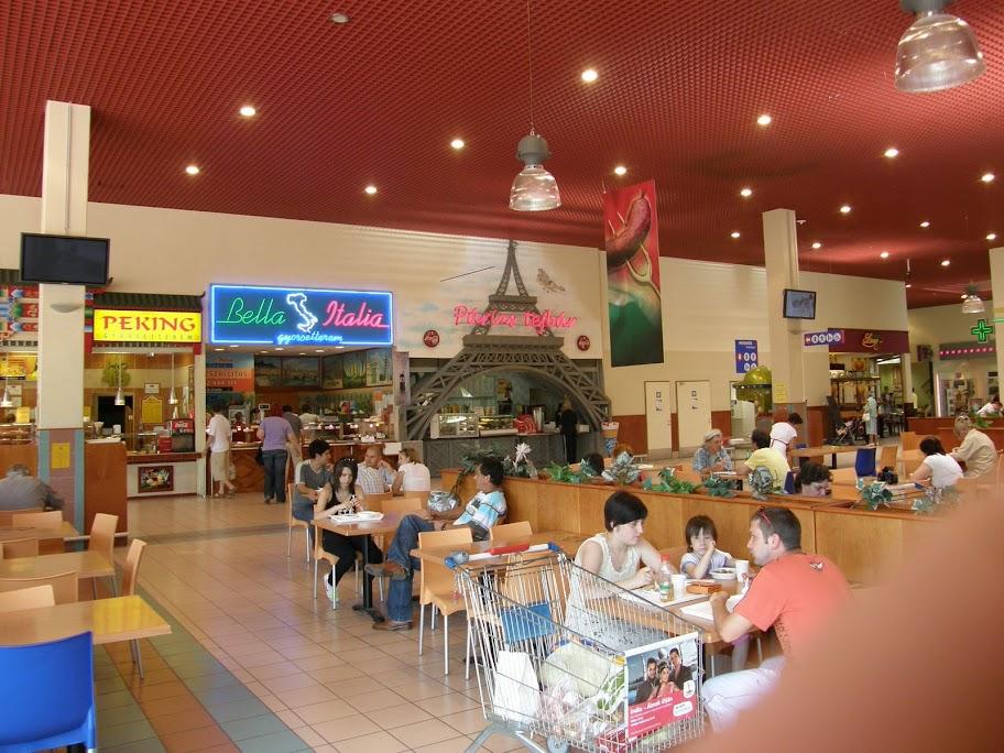 gasztró, olcsó étkezés, Szeged, Tesco, TESCO BETYÁROS GYORSÉTTEREM 6723 Szeged, Rókusi krt. 42-64