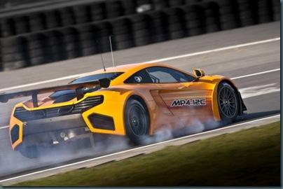 2012-McLaren-MP4-12C-GT3-Rear-Angle-600x399