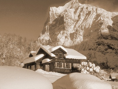 winter-swiss-mountain-chalet_Grindelwald Tourismus