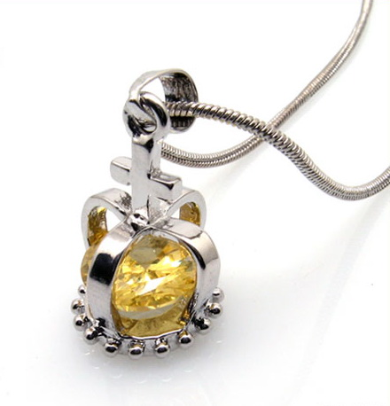 fashion-necklace-%20crystal-crown-pendant-10003291.jpg