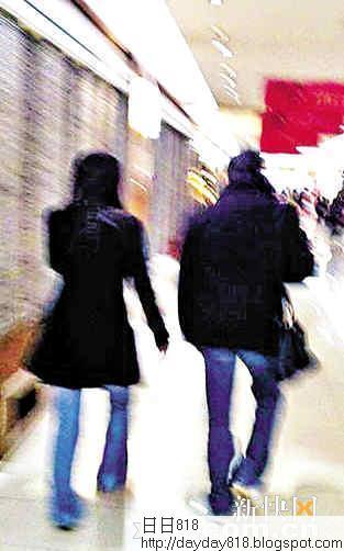 郭晶晶霍啟剛高調熱戀 年初六北京逛商場被拍