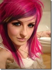 cabelo rosa e olhos azuis