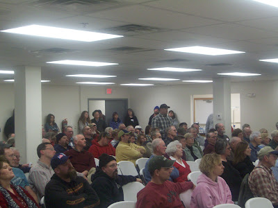 Hundreds of people filled the Washington County Extension Building for the town hall meeting on zoning (KCII News)