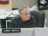 Washington County Supervisor Chair Jim Miksch