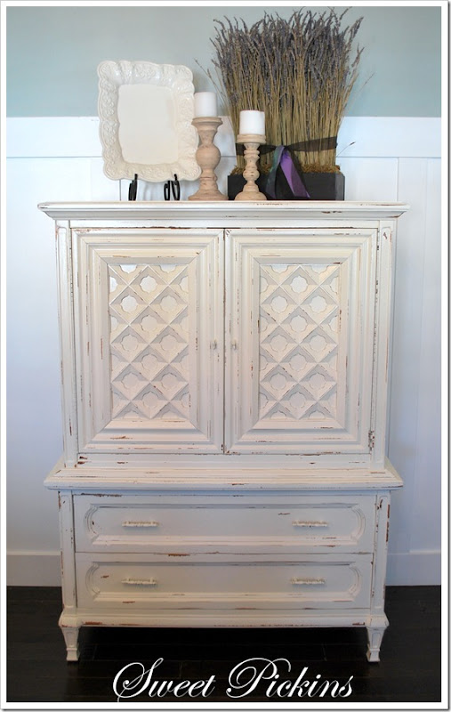 finished white hutch 002
