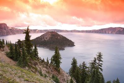 Na fotce Wizard Island (Crater Lake) použit oranžový Tian Ya (Coking P kompatibilní) filtr