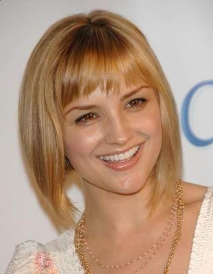 blonde short hairstyle