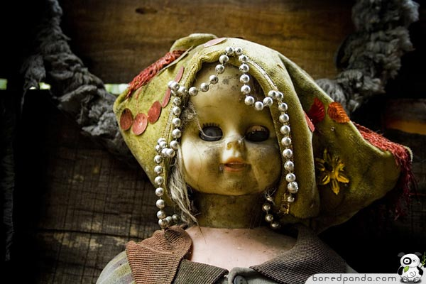 Creepy Island of the Dolls (19 Pics)