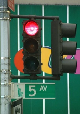 1210_03_59---Traffic-Light--5th-Avenue--New-York-City_web