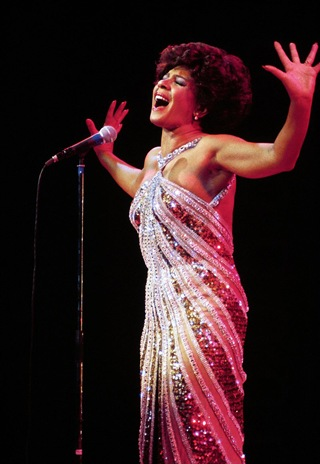 dr1011_shirley_bassey_c-768872