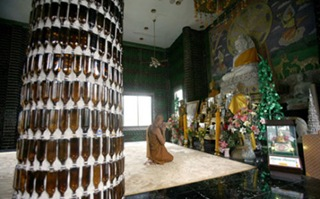 Bottle-Temple-in-Thailand-7