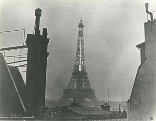 eiffel tower circa 1932