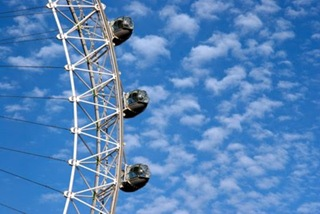 london_eye_blue_sky