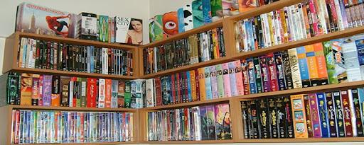 Uma colecionadora e viciada em DVDs e BDs