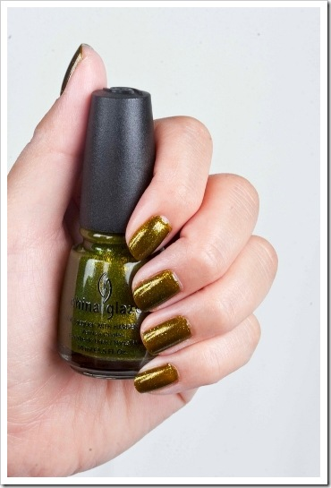 China-Glaze-Halloween-2010-Zombie-Zest