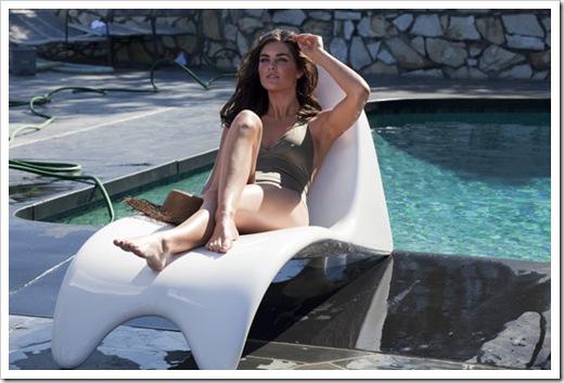 estee-lauder-bronze-goddess-summer-2011-m-chair