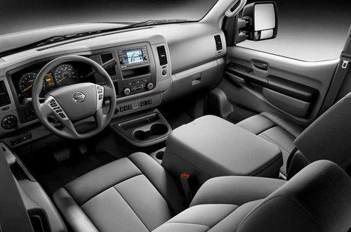 Iterior Nissan NV