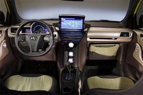 Interior Toyota iQ