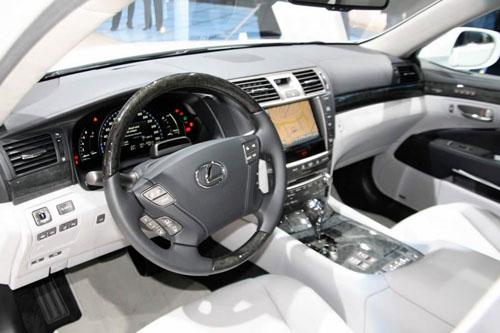 Interior Lexus LS600h