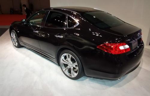 Sedan Nissan Fuga