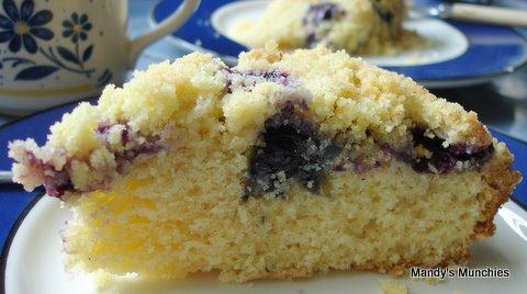 [Blueberry Crumble Cake[4].jpg]